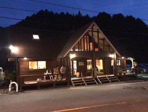ランチや夕飯時は外で待つ常連客が絶えないさっぽろらうめん榛原店